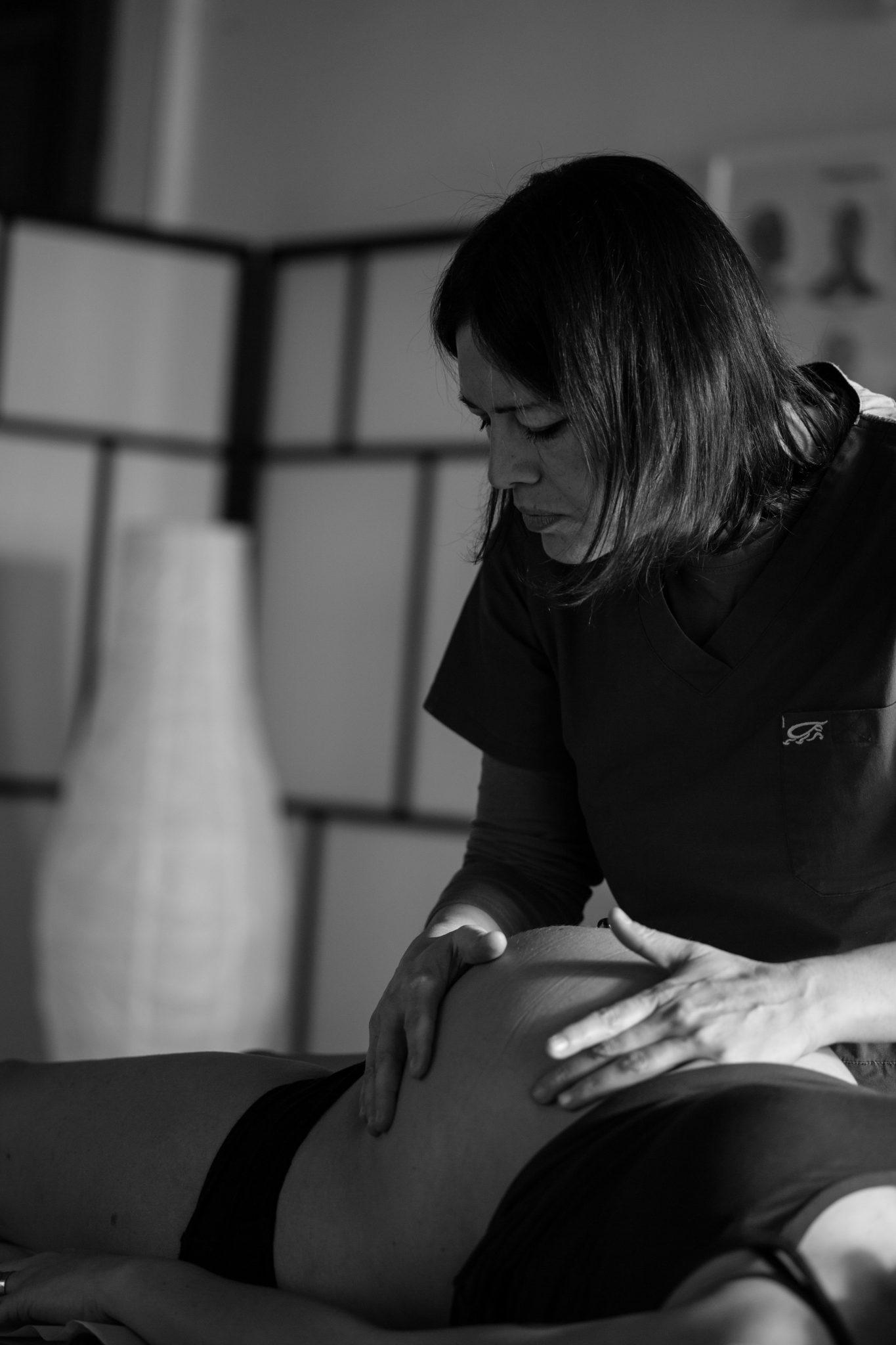 L' Osteopatia in gravidanza aiuta le donne incinte nella..